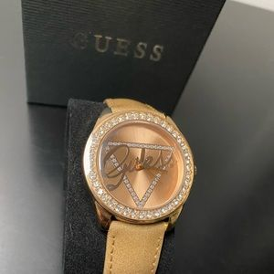 Ladies GUESS watch ( new)